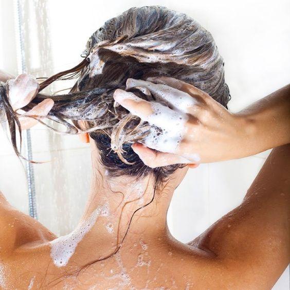 14 популярных вопросов про болезни волос: фен и силикон, секущиеся кончики, краски (хна и басма), шампуни (ИНТЕРВЬЮ с врачом) - фото №17