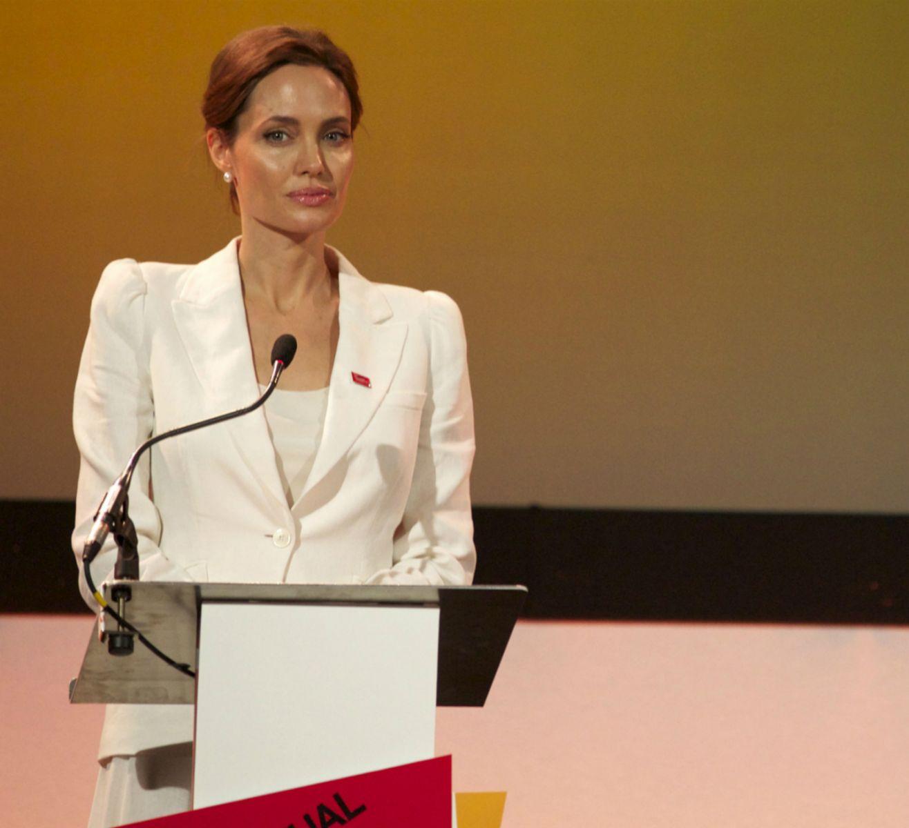 Когда завершать карьеру: Анджелина Джоли уходит из кино - фото №4
