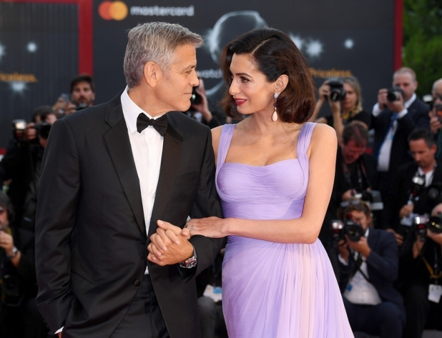 Джордж Клуни не спит ночами из-за солидарности к Амаль, которая встает покормить их новорожденных близнецов - фото №1