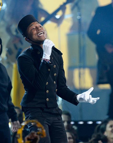 Грэмми 2015: Фаррелл Уильямс исполняет Happy