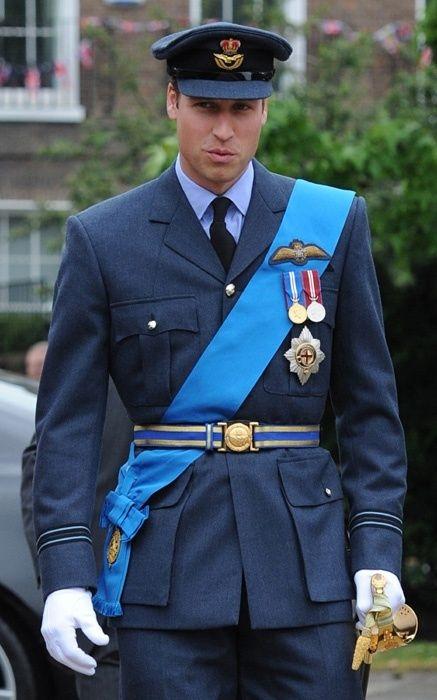 Принц Уильям прокомментировал свой шальной танец в клубе, заявив, что у него проблемы - фото №2