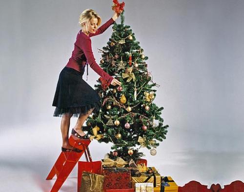 Сколько должна стоять наряженная елка к Новому году - фото №1