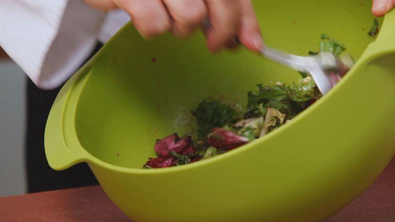 Золотые рецепты звезд: теплый гранатовый салат от Даши Малаховой - фото №11