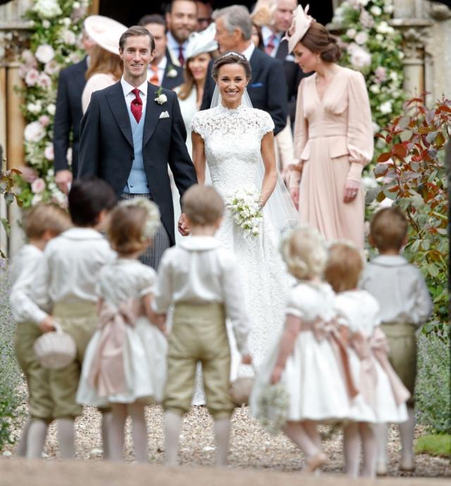 Зря ждали: невеста принца Гарри Меган Маркл проигнорировала свадьбу Пиппы Миддлтон - фото №1