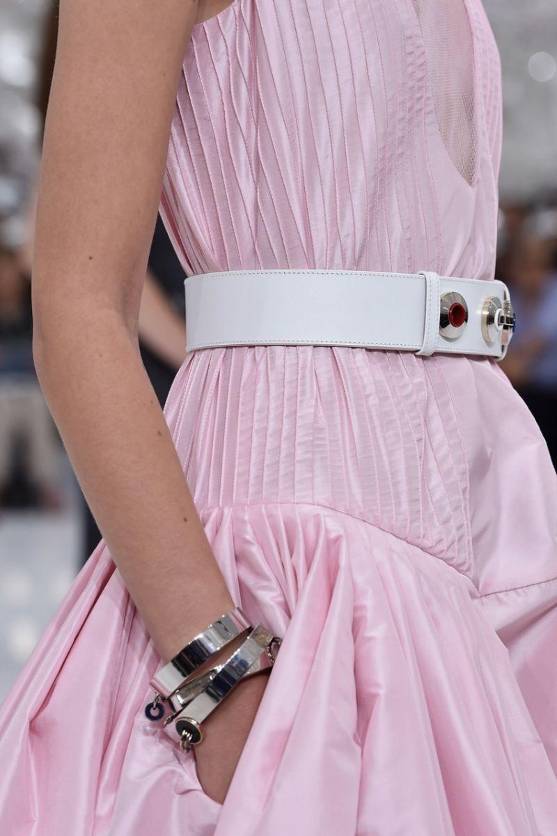Неделя высокой моды в Париже: Christian Dior осень-зима 2014-2015 - фото №8