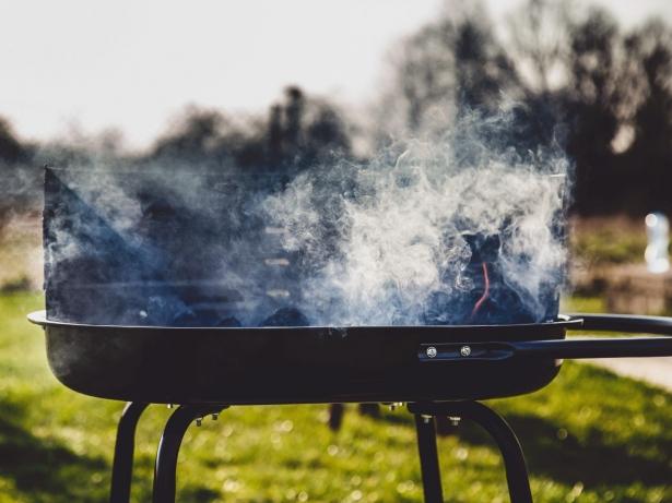 Как выбрать «железо» для пикника: мангал, шампуры и решетки для шашлыков - фото №1
