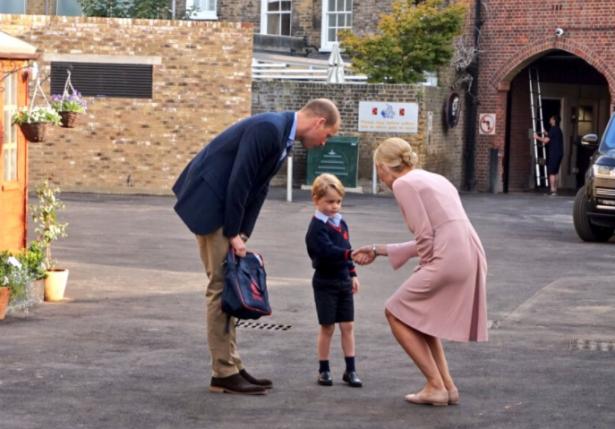принц гарри пошел в школу