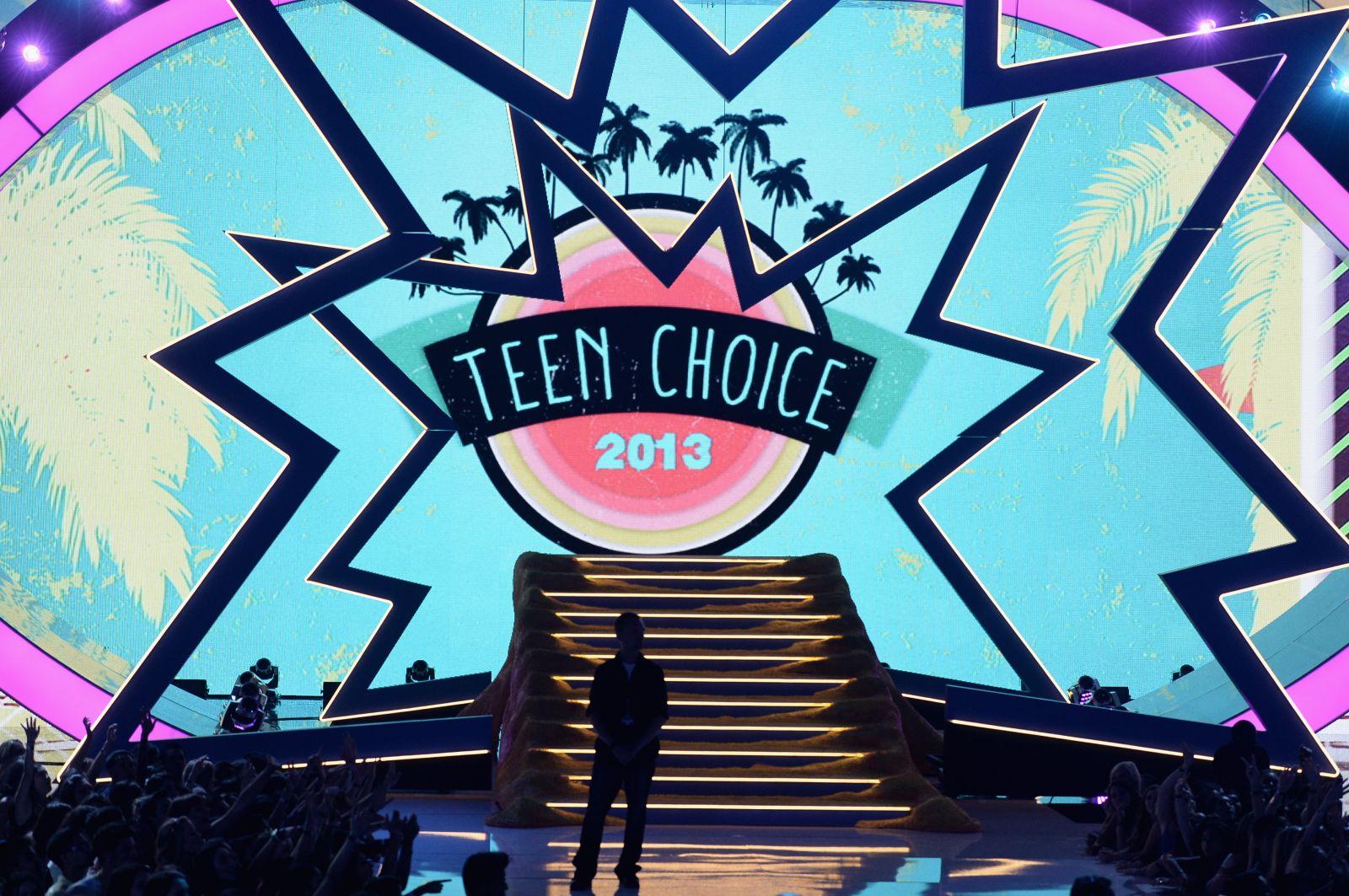 Teen Choice Awards-2013: красная дорожка и победители - фото №1