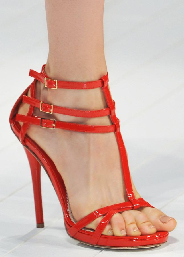 Модная обувь сезона весна-лето 2014: босоножки - фото №1