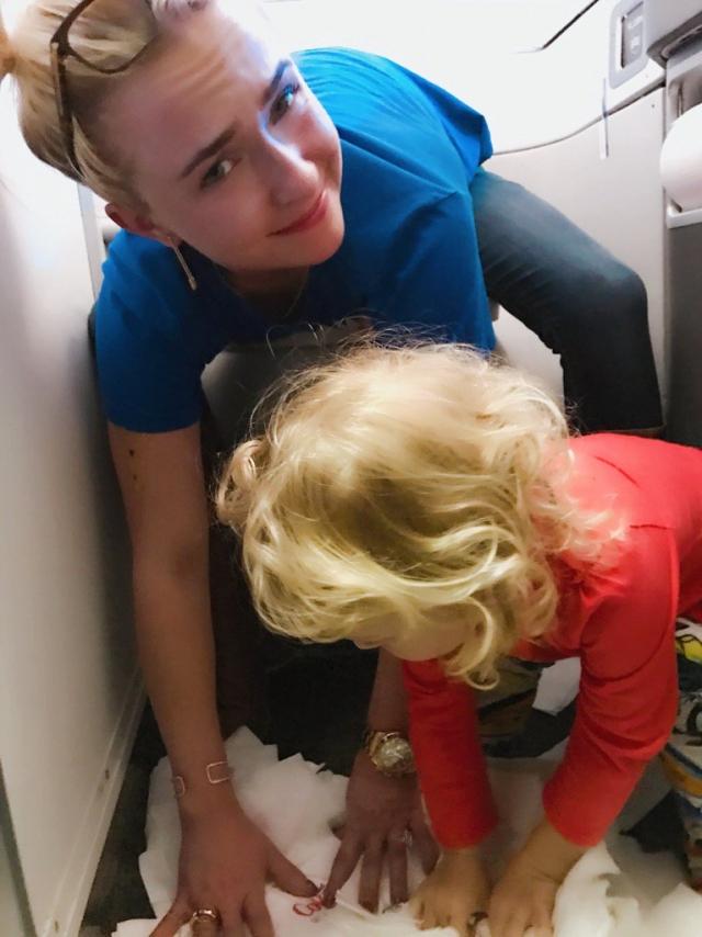Хайден Панеттьери рассказала о курьезах во время перелета с двухлетней дочкой (ФОТО) - фото №1