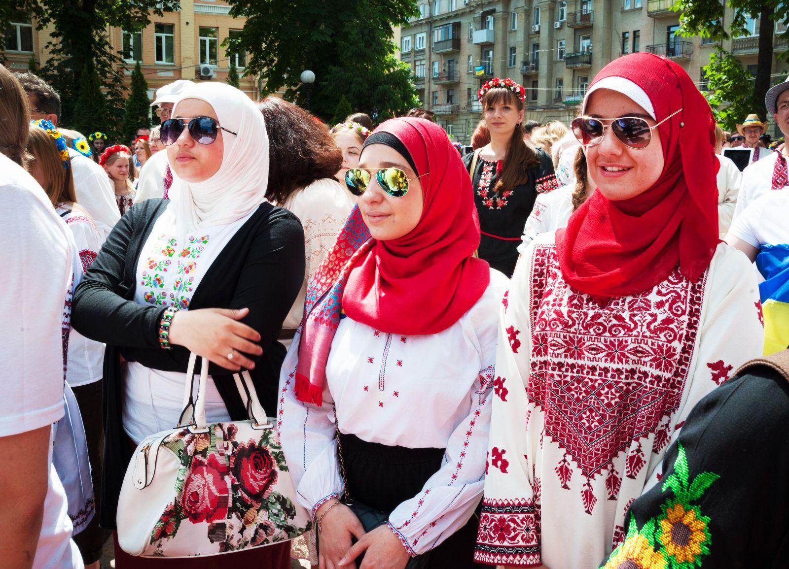 Парад вышиванок в Киеве: как киевляне носят вышиванки