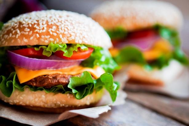 Почему бургер стал популярней любого бутерброда: история съедобного кумира - фото №2