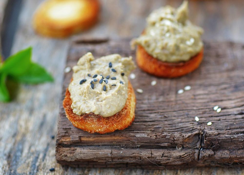 Бутерброды на праздничный стол: идеи удачных закусок на Новый год - фото №1