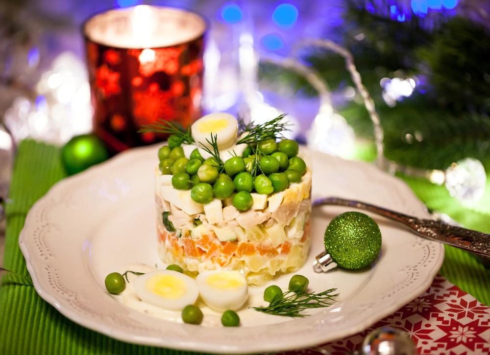 ТОП-5 вариантов рецепта оливье: салат, без которого не будет Нового года - фото №6