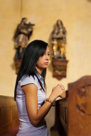 Как одеться женщине в церковь? - фото №2