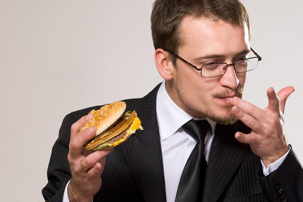 Толстый муж: как жить с обжорой - фото №2