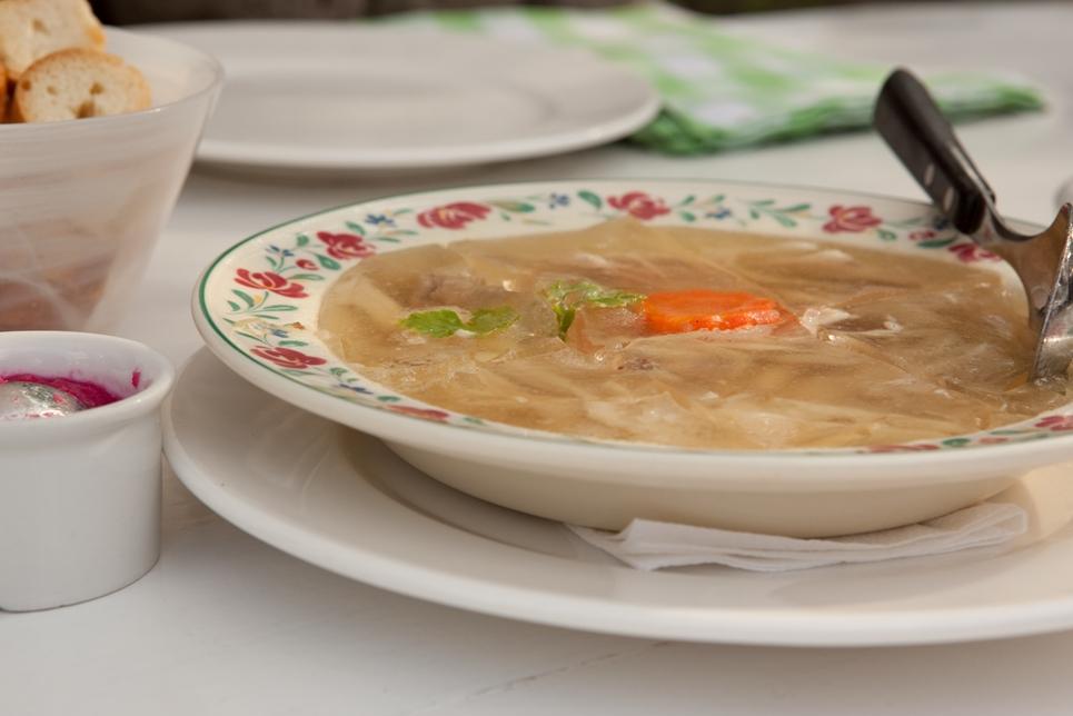 Рецепты блюд на новогодний стол 2014: холодец и заливное - фото №4