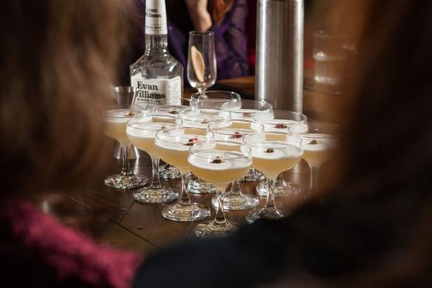 Беседа с барменом: как правильно пить алкоголь и что должно быть в домашнем баре - фото №5