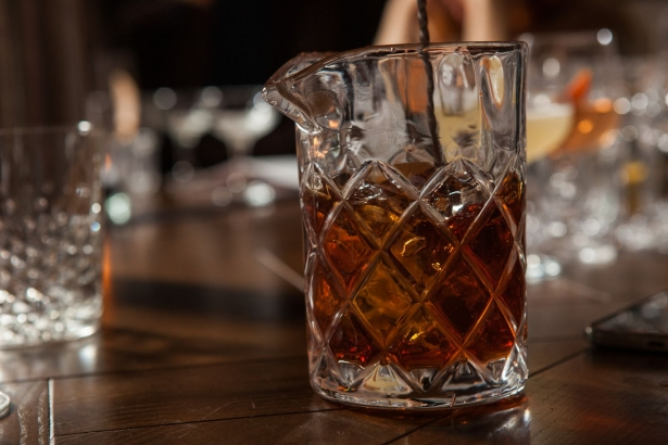 Беседа с барменом: как правильно пить алкоголь и что должно быть в домашнем баре - фото №4
