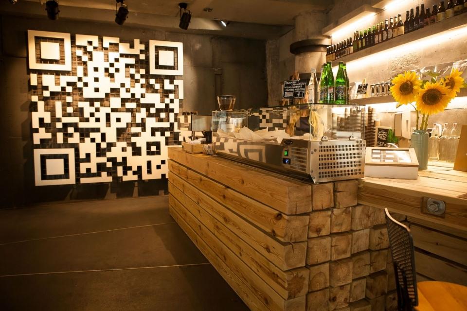 Ресторан с особенной историей и неординарными украинскими блюдами, в который можно зайти только по паролю: «Остання Барикада» - фото №2