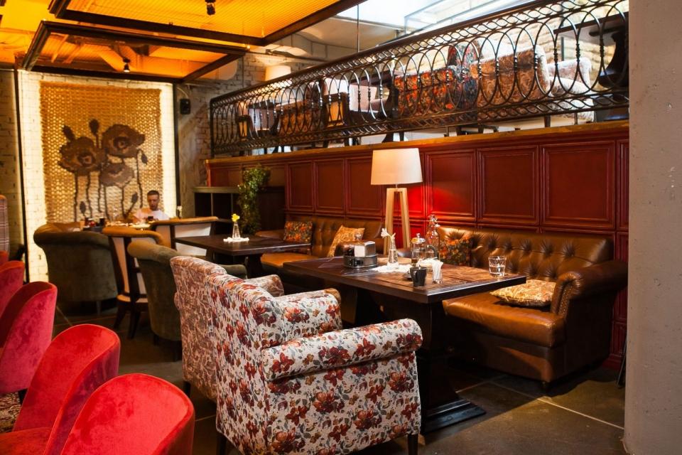 Ресторан с особенной историей и неординарными украинскими блюдами, в который можно зайти только по паролю: «Остання Барикада» - фото №22