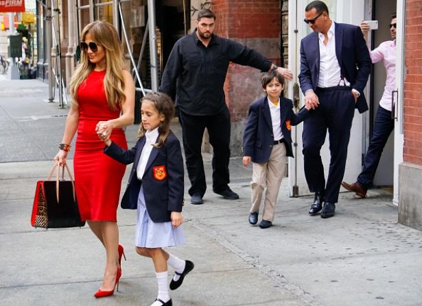 лопес и родригес отвели детей в школу