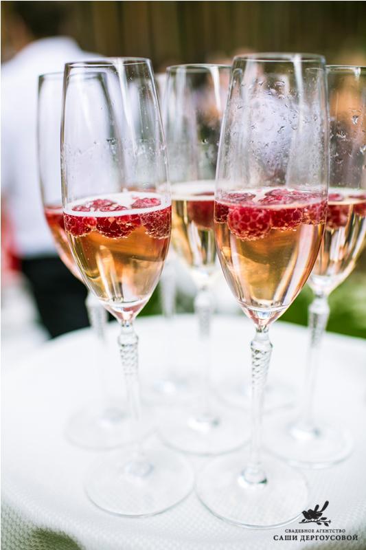Алкоголь на свадьбе: как выбрать и рассчитать - фото №1
