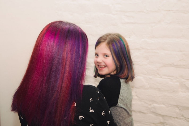 Больше цвета: как решиться на цветное окрашивание и что надо знать о процедуре - фото №13