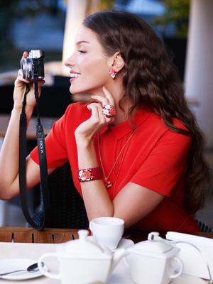 Кольцо-букет, браслет из кожи ската – тренды весны 2013 - фото №2