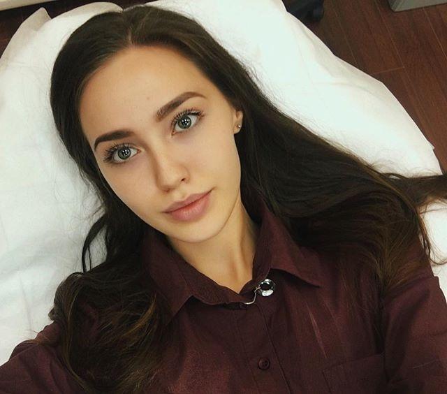 Любовница Дмитрия Тарасова рассказала о желании родить ребенка и готовности к семье - фото №1