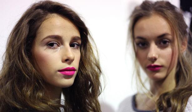 Каким цветом красить губы весной - фото №11