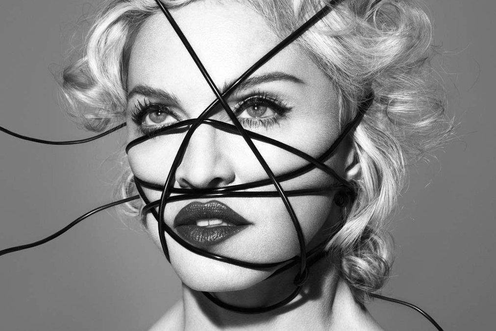 Чем на этот раз вызвала скандал Мадонна: развратная вечеринка с Бейонсе, Кэти Перри, Майли Сайрус и Ники Минаж - фото №2