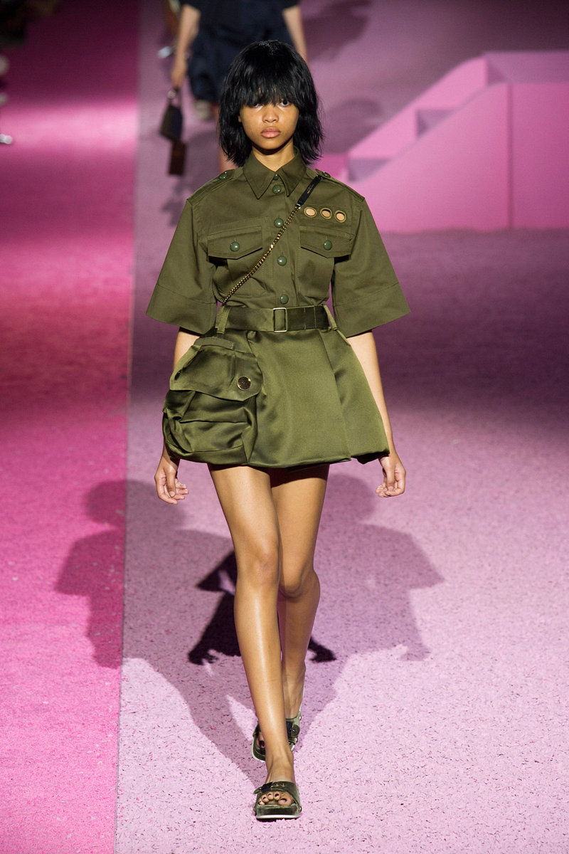 Стиль милитари: как в женском гардеробе появилась военная форма