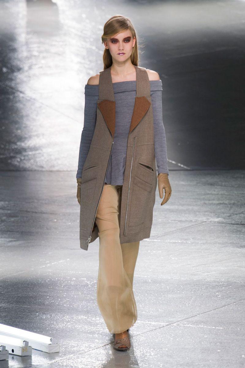 Неделя моды в Нью-Йорке: черные цвета, унисекс и брюки - фото №4