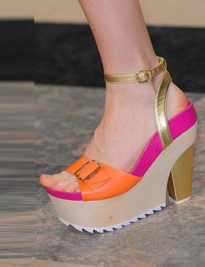 Модная обувь сезона весна-лето 2014: босоножки - фото №7