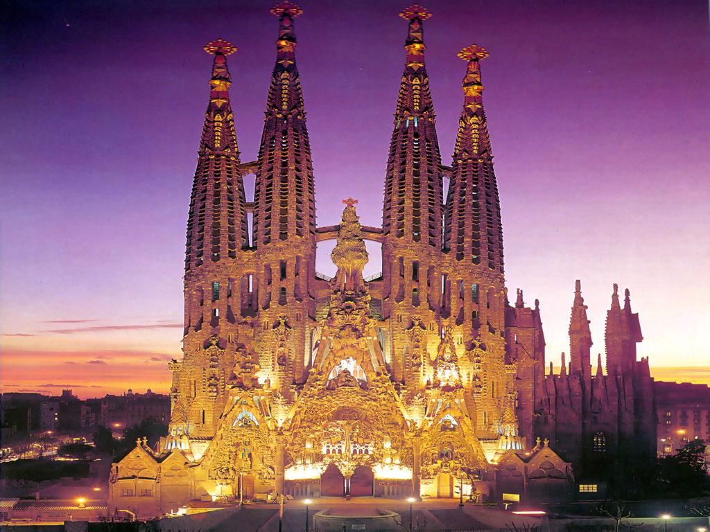 Топ 5 мест, которые стоит посетить в Барселоне - фото №1