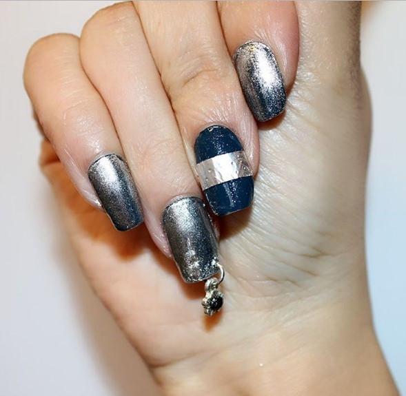 Вот это прокол: пирсинг-ногтей снова в трендах маникюра - фото №7