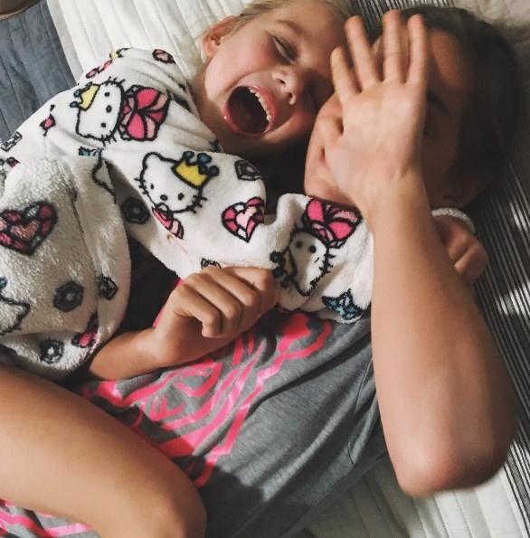 Анна Седокова рассказала о дочерях: 5-летняя Моника влюбилась, а 12-летняя Алина грезит карьерой - фото №1