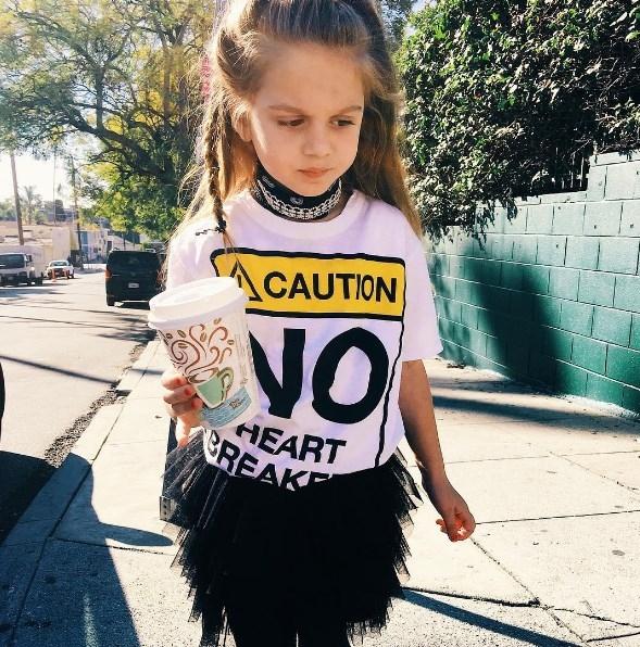 5-летняя дочь Анны Седоковой похвасталась дерзким look-ом рокерши (ФОТО) - фото №1