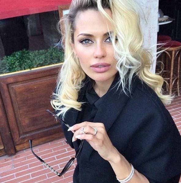 Виктория Боня пожаловалась на испорченные покрасками волосы (ФОТО) - фото №1
