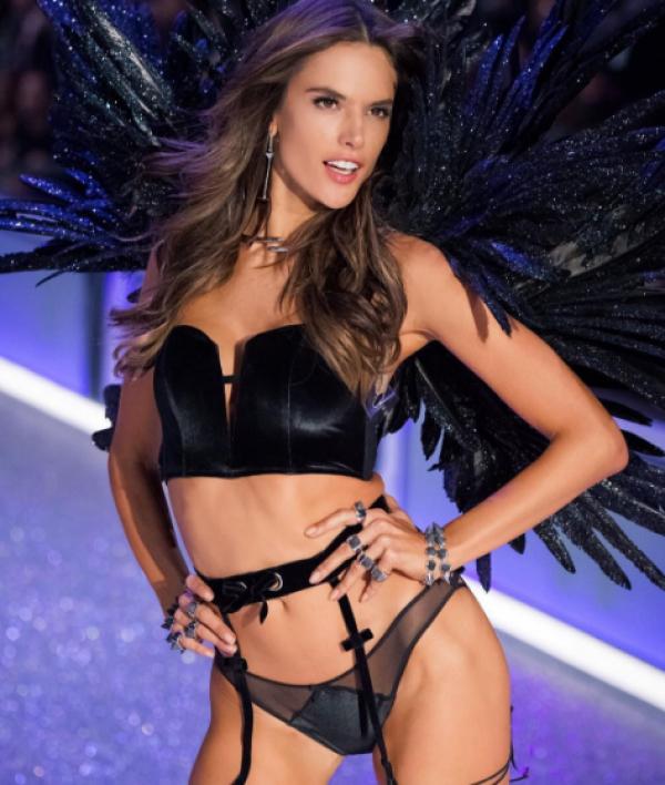 Victoria's Secret Алессандра Амбросио