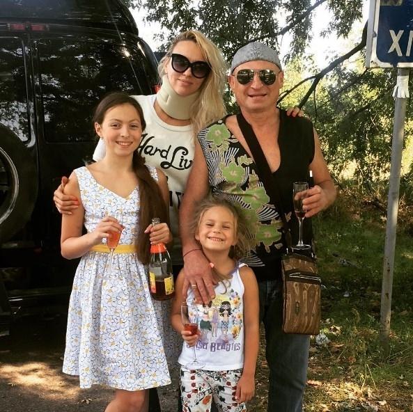"""Оля Полякова нежно поздравила мужа с днем рождения: """"Хочу быть рядом с тобой маленькой девочкой"""" (ФОТО) - фото №2"""