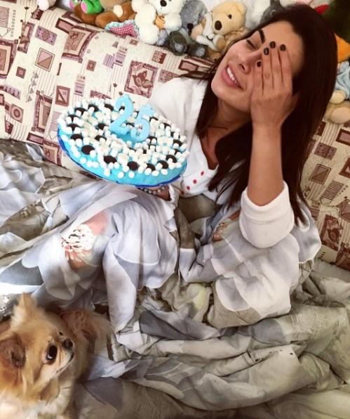 Виталий Козловский поздравил девушку с днем рождения рисунком на листе бумаги (ФОТО) - фото №2