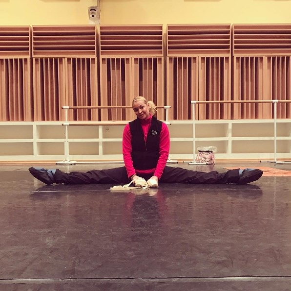 Анастасия Волочкова ужаснула поклонников странной позой во время домашнего релакса (ФОТО) - фото №2