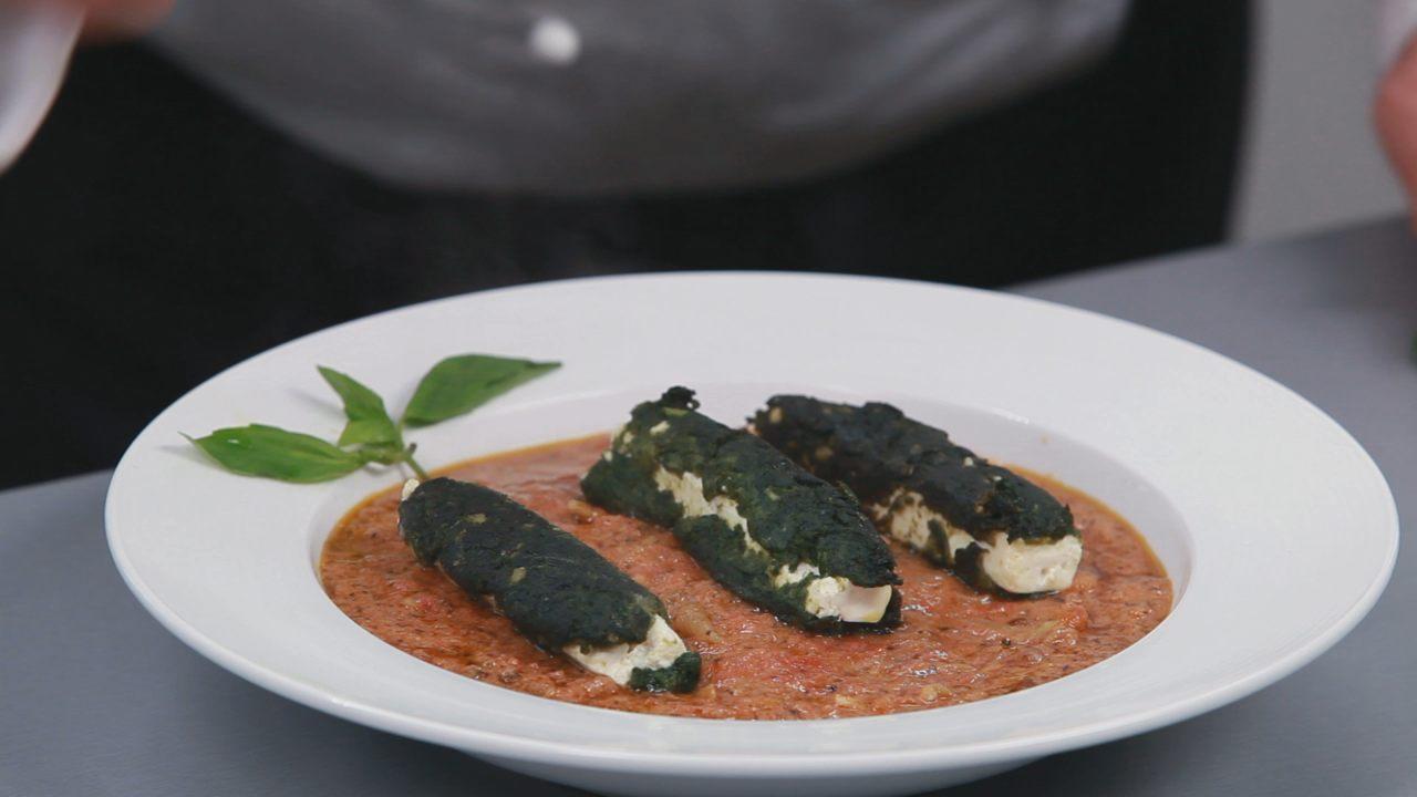Бруски феты в шпинате с томатным соусом. Видео-рецепт - фото №14