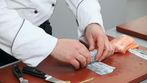 Запеченный лосось и салат с лососем в соусе понзу - фото №4