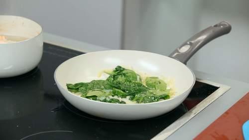 Запеченный лосось и салат с лососем в соусе понзу - фото №8