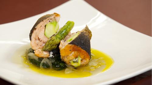Запеченный лосось и салат с лососем в соусе понзу - фото №9