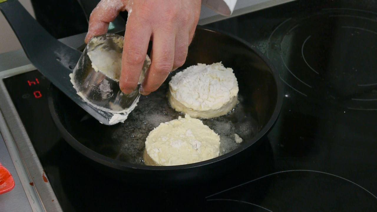 Золотые рецепты звезд: фирменные сырники от Юзика - фото №6