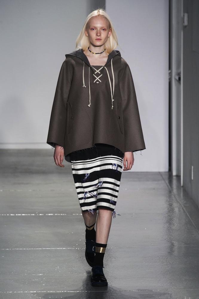 Неделя моды в Нью-Йорке: черные цвета, унисекс и брюки - фото №8